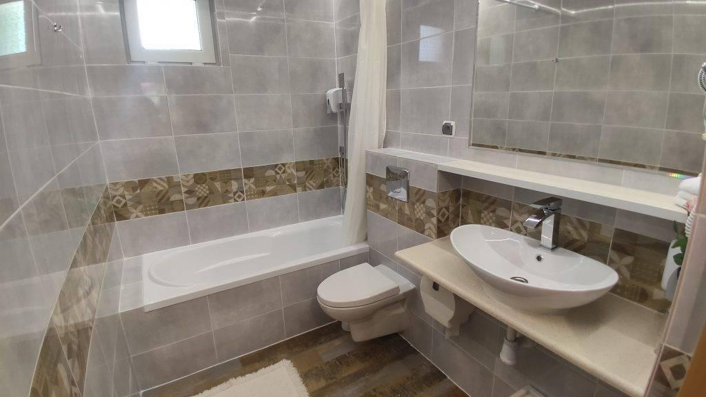 pokój 63 łazienka